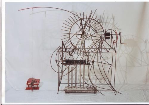 Prepared piano / hommage aan John Cage by Peter van Loon
