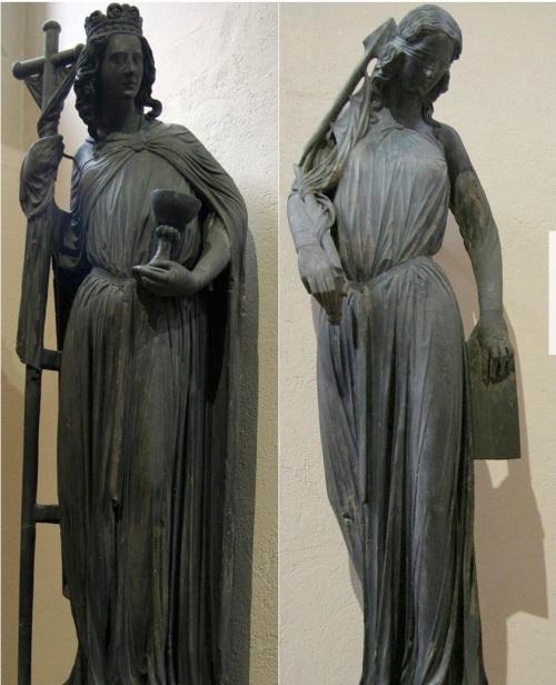 Statues 'L'Église' et 'La Synagogue' de la Cathédrale de Strasbourg, original gothique conservé au Musée de l'Oeuvre Notre-Dame - Ecclesia and Synagoga - Wikipedia.jpg